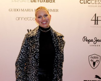 Karolina Kurkova auf der VIP Beauty & Fashion Lounge von Reichert+ Communications im Marriott Hotel.